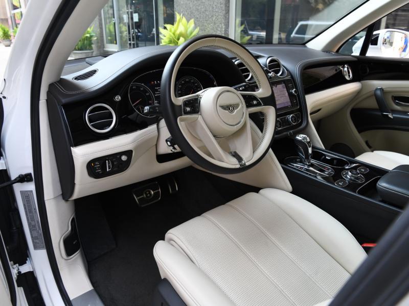 Used 2020 Bentley Bentayga V8 | Gurnee, IL