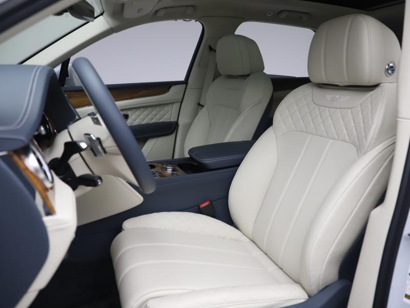 Used 2020 Bentley Bentayga Hybrid | Gurnee, IL
