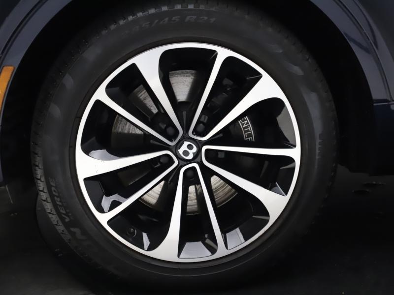 Used 2018 Bentley Bentayga W12 Signature Edition   Gurnee, IL