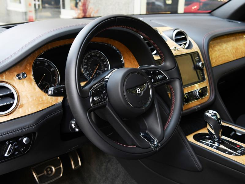Used 2018 Bentley Bentayga  | Gurnee, IL