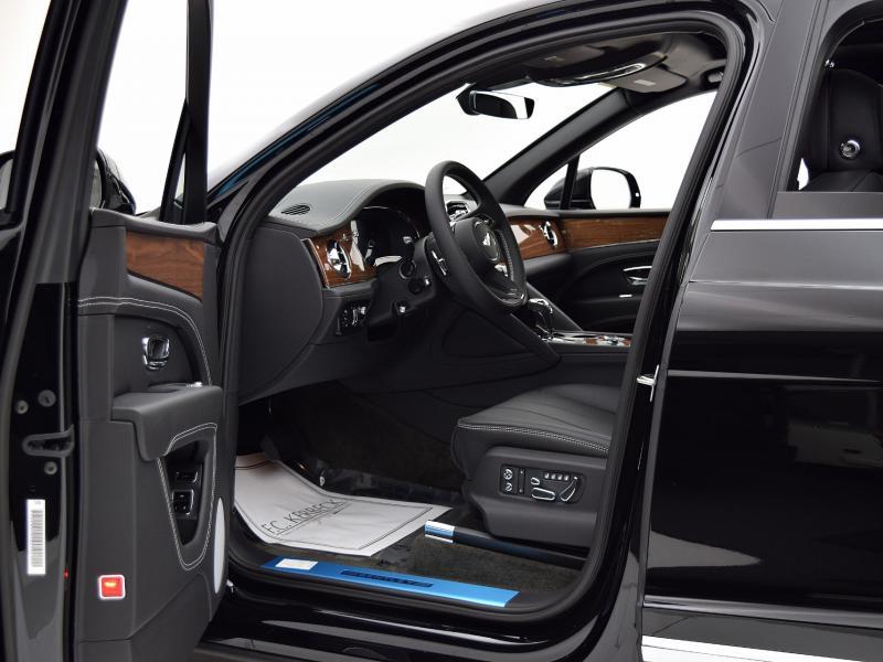 New 2021 Bentley Bentayga V8   Gurnee, IL