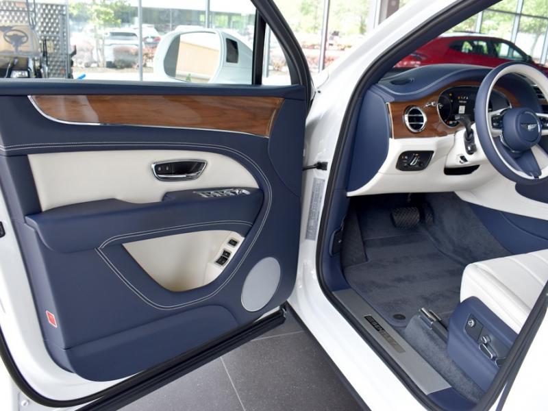Used 2021 Bentley Bentayga V8 V8 | Gurnee, IL