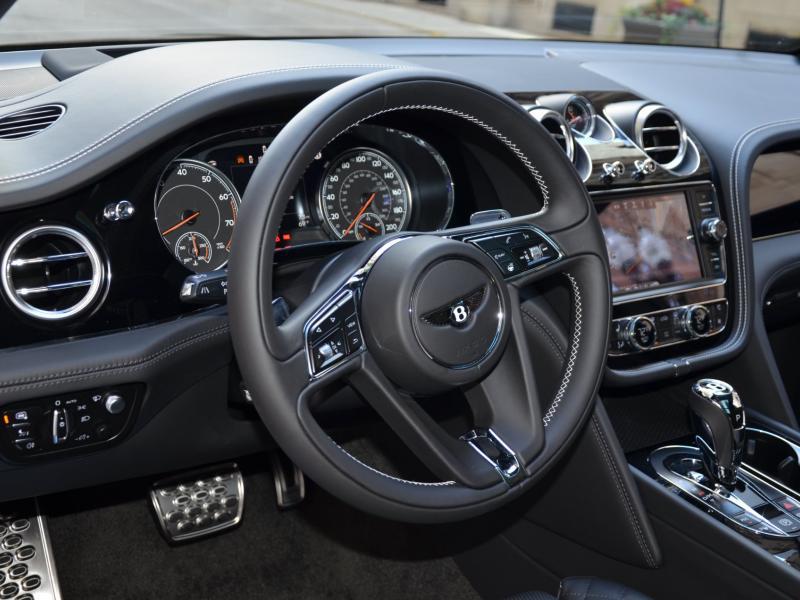 Used 2018 Bentley Bentayga W12 Signature Edition | Gurnee, IL