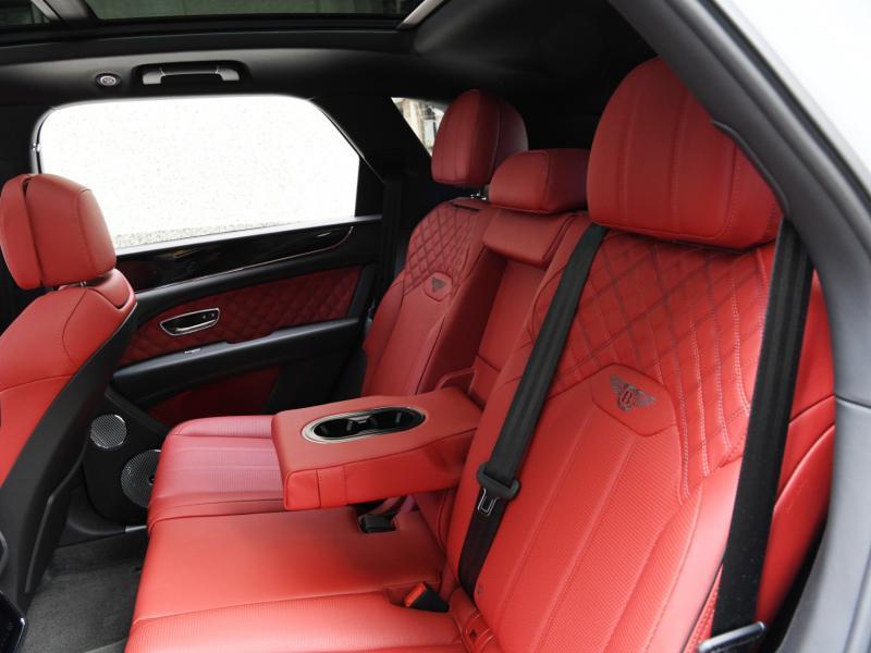 Used 2021 Bentley Bentayga V8   Gurnee, IL
