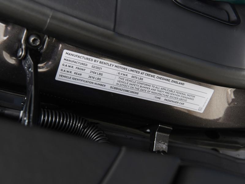 New 2021 Bentley FLYING SPUR V8    Gurnee, IL