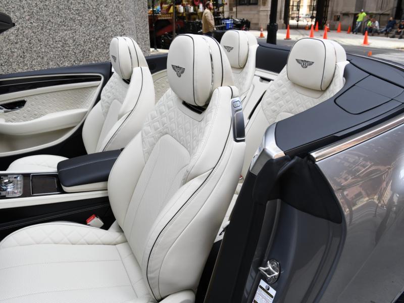 New 2022 Bentley continental GTC Convertible V8   Gurnee, IL