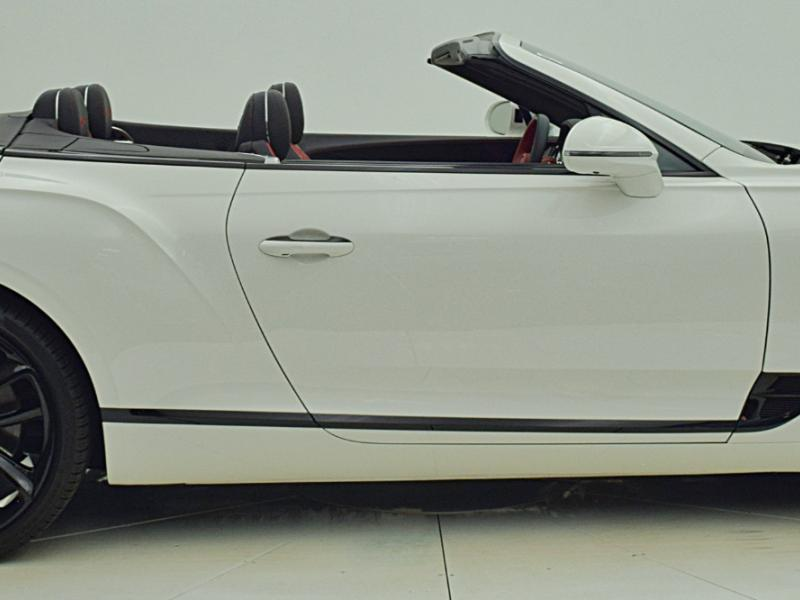Used 2021 Bentley Continental GT V8 Convertible | Gurnee, IL
