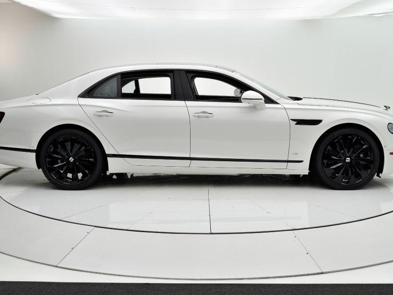 New 2022 Bentley Flying Spur V8   Gurnee, IL