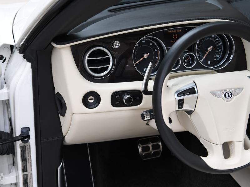 New 2017 Bentley Continental GTC V8  | Gurnee, IL