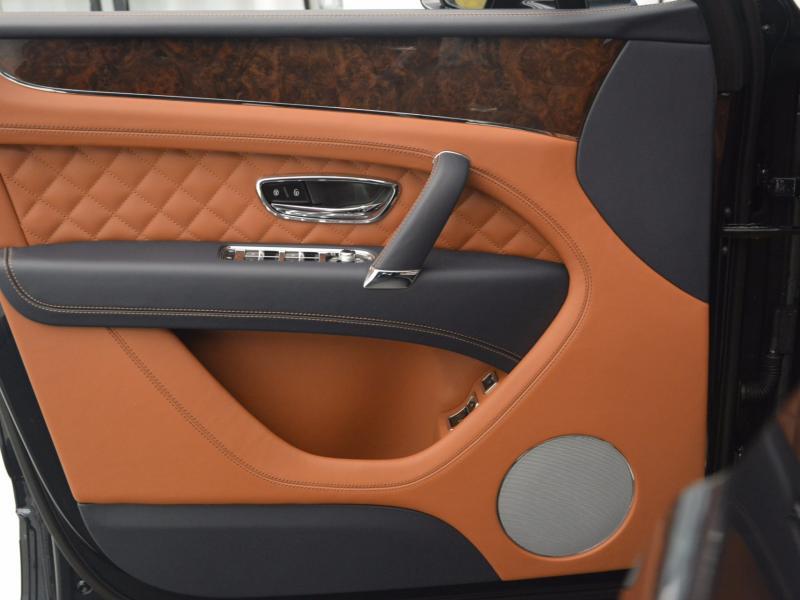 Used 2018 Bentley Bentayga W12 Signature | Gurnee, IL
