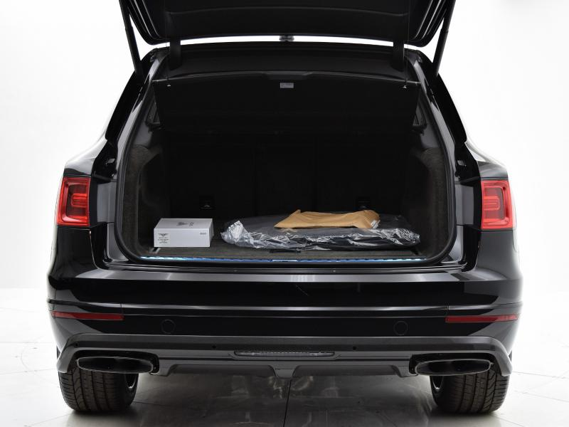 Used 2018 Bentley Bentayga Black Edition | Gurnee, IL